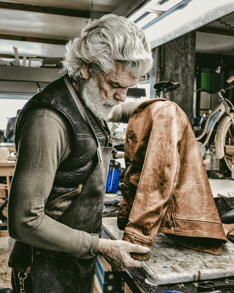https://thedi-leathers.com/wp-content/uploads/2019/03/thedi-leathers-ceo.png