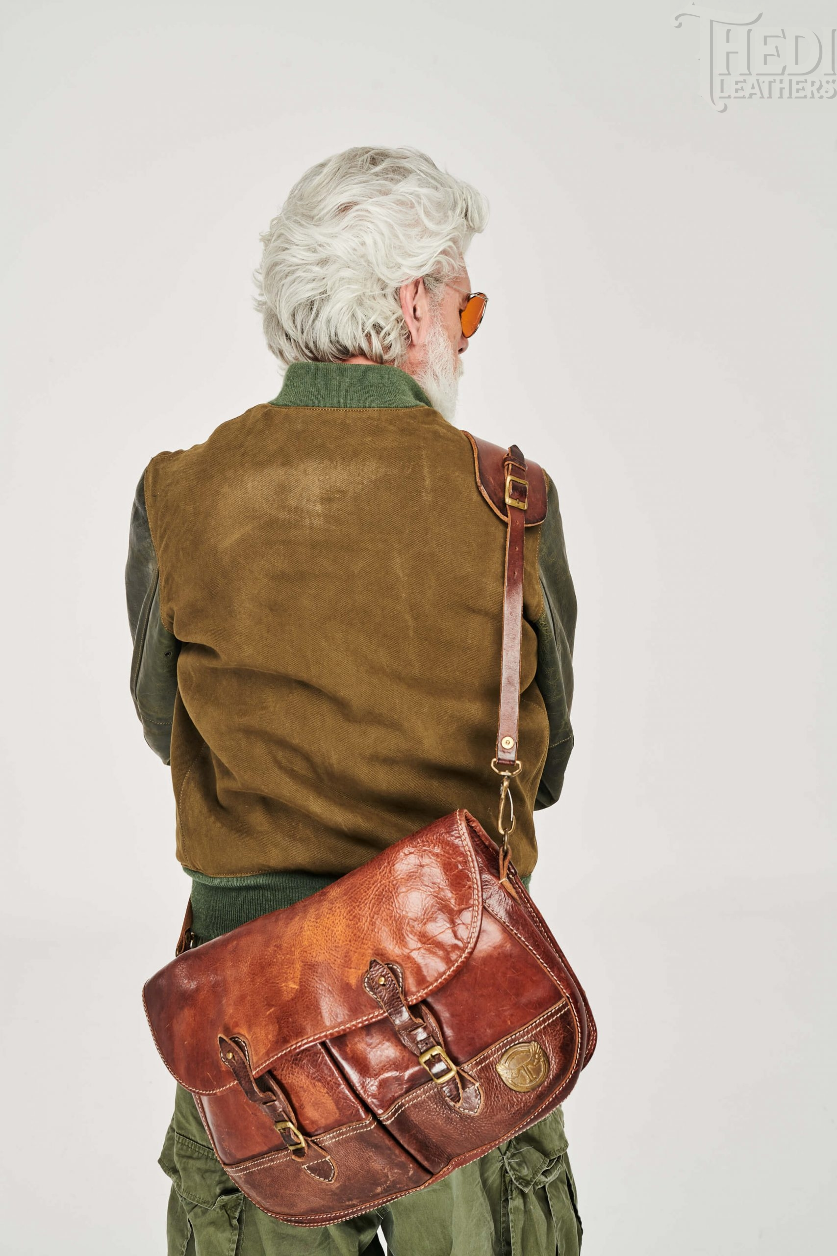 https://thedi-leathers.com/wp-content/uploads/2019/10/H30080-FRONT-BROWN-scaled.jpg